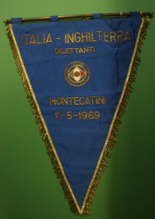 Italy v England 01 05 1969 Handover Pennant