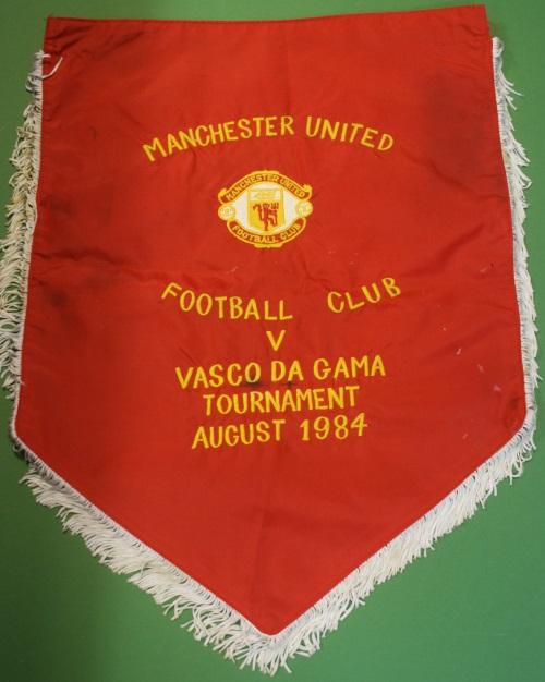 Manchester United Handover Pennant - Vasco Da Gama 1984