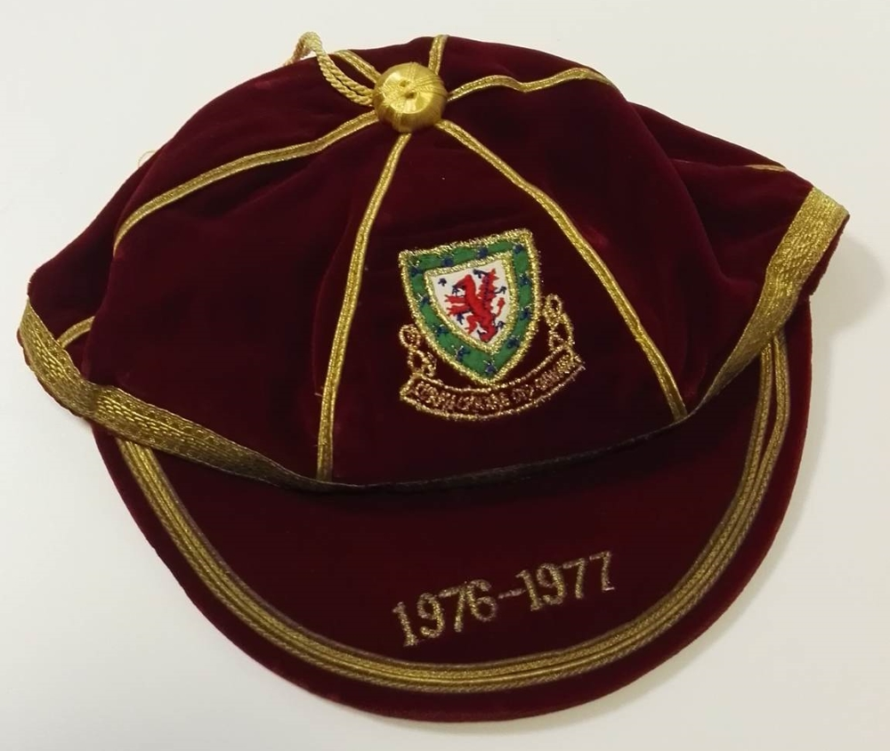 Rare Malcolm Page 1976/77 Wales International Cap
