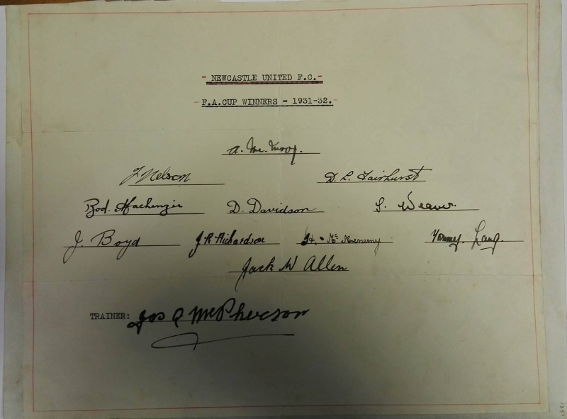 Newcastle United FA Cup Winners 1931/32 Autographs