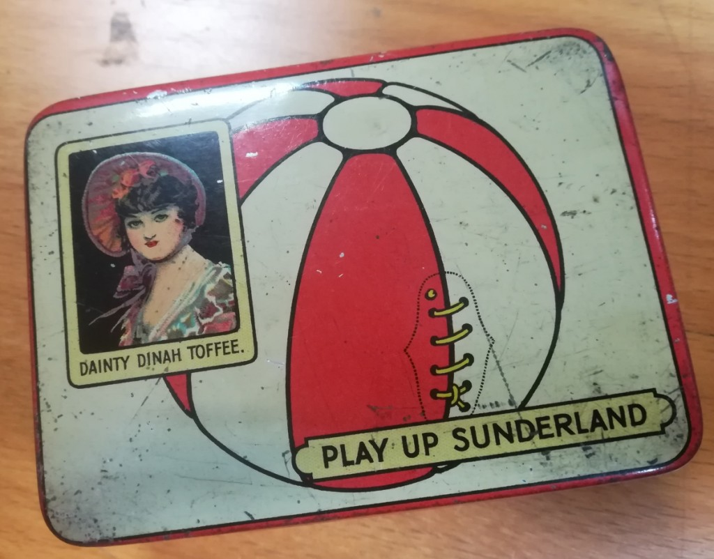 """Play Up Sunderland"" Dainty Dinah Toffee Tin"