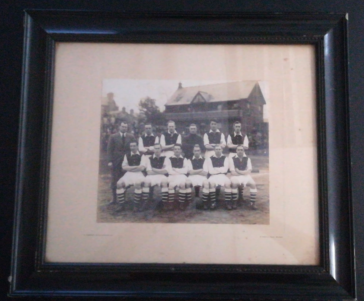 Pat Beasley - Framed Photo with Arsenal