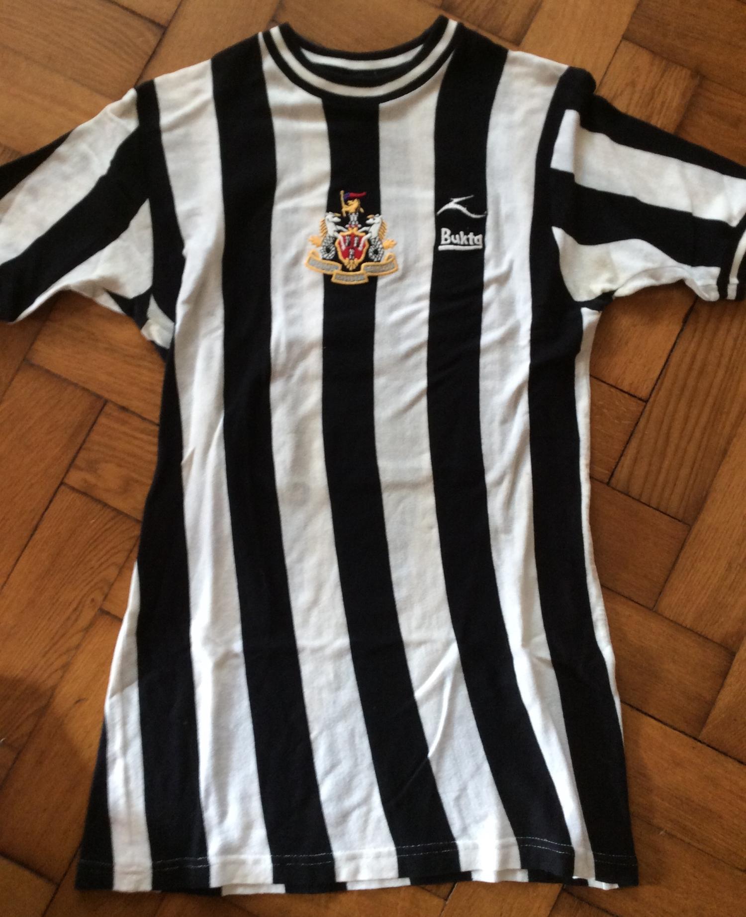 Malcolm Macdonald newcastle united matchworn shirt collector